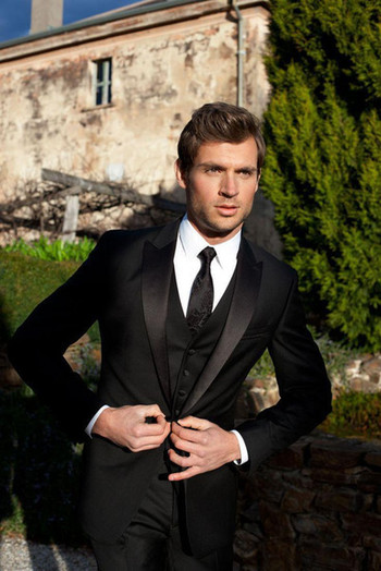 New Black Men Suits For Wedding Satin Peaked Lapel Grooms Tuxedos Three Pieces Men Suits Slim Fit Groomsmen Suit YT6981