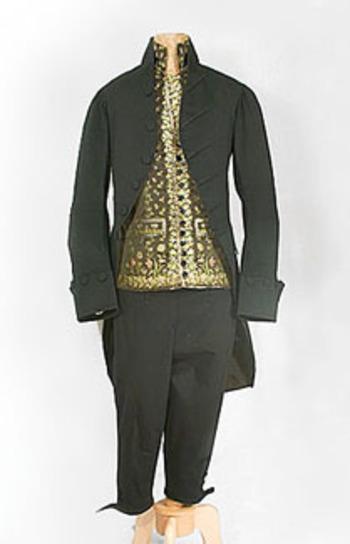 #1682 Man's 18th century suit at VintageTextile.com