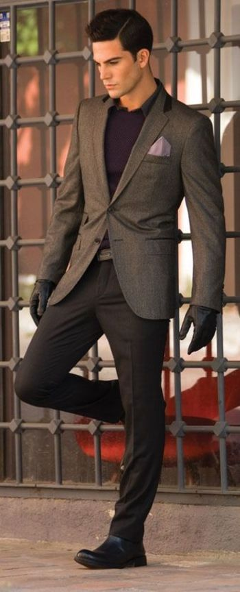 40 Dashing Examples of Men In Suits