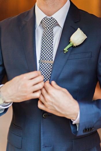 Bright and Rainy Phoenix Wedding | Junebug Weddings