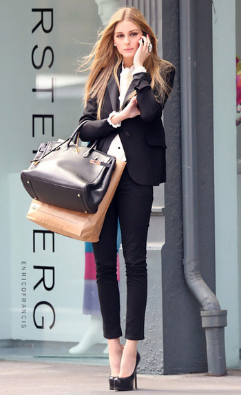 Oliva looking chic #fashion #streetstyle http://quizans.com Plzz