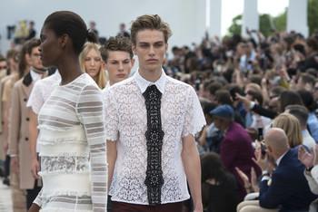 Fashion Blurs Gender Lines