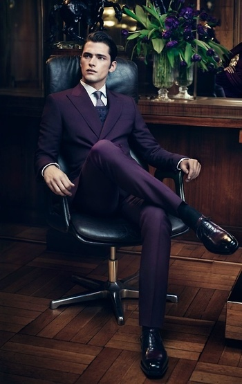A luxurious and elegant purple suit for the men folk on Inspirationde