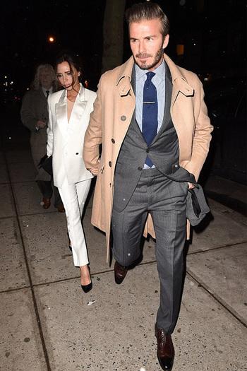 Suit Up!Victoria Beckham 跟 David Beckham 一同以西裝現身!