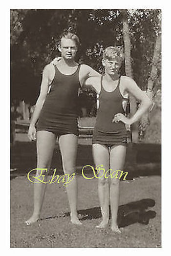 VINTAGE 1920's PHOTO AFFECTIONATE YOUNG MEN HUG IN SWIM SUITS  GAY INTEREST 129 | Other Antique Photographs | Vintage & Antique (Pre-1940)
