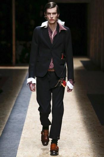 Prada Fall 2016 Menswear Fashion Show  - Vogue