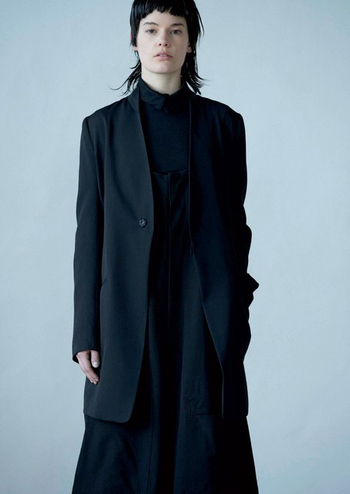 Y's Yohji Yamamoto Fall 2016 Ready-to-Wear Fashion Show  - Vogue