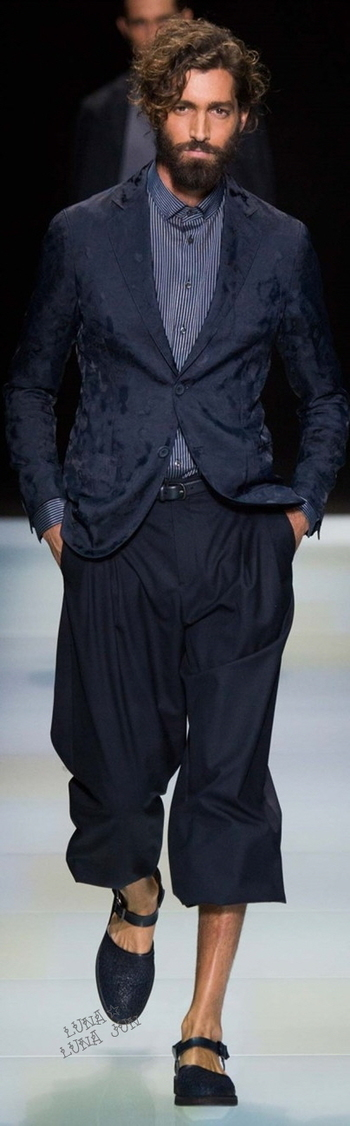 Giorgio Armani - S 16 ... Full Length pant without beard: subdued confidence!