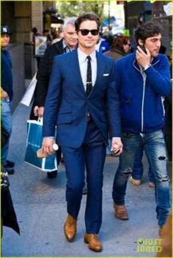 Navy suit skinny tie & tan brogues