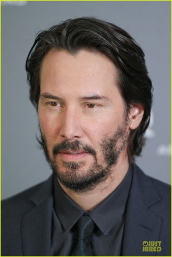 keanu reeves 47 ronin munich photo call 14 Keanu Reeves is handsome in a black suit while attending a
