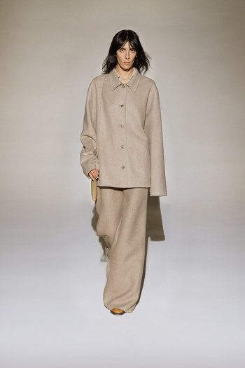 The Row Fall 2016 Ready-to-Wear Fashion Show  - Vogue