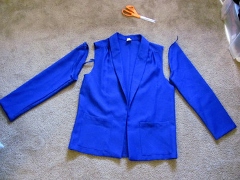 SecondHand Couture: Altering a Blazer (the easy way)