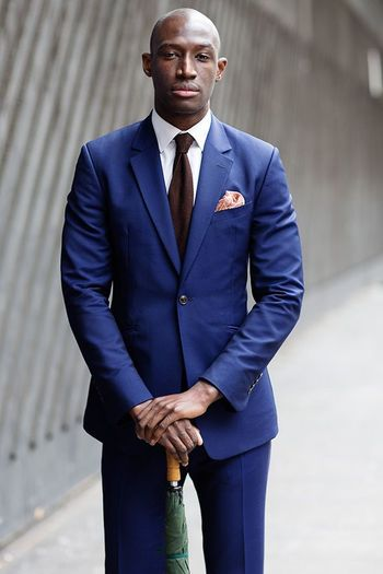 Nice pop.Blue Suit, London « The Sartorialist