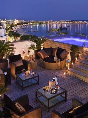 Hotel Majestic Barrière Cannes é sinônimo de Glamour na Côte D'Azur