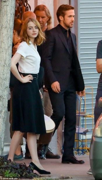 Ryan Gosling works up a sweat chasing down Emma Stone in La La Land