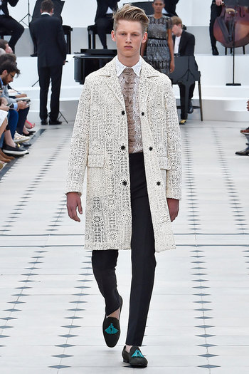 Burberry Prorsum Spring/Summer 2016 - Fucking Young!