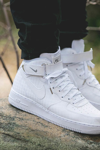 NIKE Air Force 1 Mid '07 Lv8 #crosshatch #crosshatching #quilted