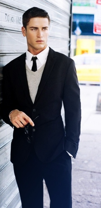 Digging the v-neck sweater with this suit and skinny tie: mens fashion find more mens fashion on www.