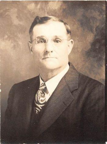 Photograph Snapshot Vintage Black and White: Elderly Man Suit Portrait 1940's