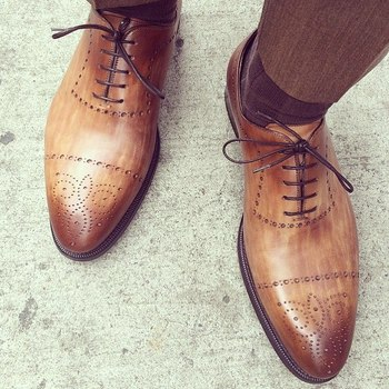 Stay handsome wearing a pair of Santi