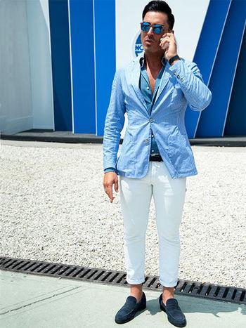 ブルー×ホワイトの鉄板コーデは、「柄」と「小物」でツイストさせる! | メンズファッションの決定版 | MEN'S CLUB(メンズクラブ)