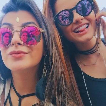 choose the perfect pair of sunglasses to